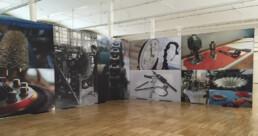 configuración de totem en exposiciones